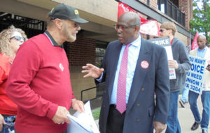 SWP vice-presidential candidate Osborne Hart, right, at Verizon solidarity rally in Atlanta. Party is campaigning across country, fighting for ballot status, winning new Militant readers.